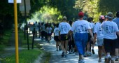 The participants of the Simply Women's 5k Run/Walk at the start of the race (photo by Aaron Zaremsky)