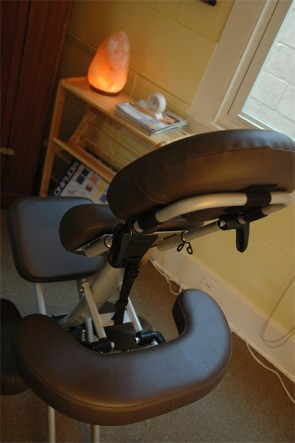 Patrons can walk-in at Eden World for a 10 to 15 minute chair massage without an appointment. (Photo by Megan Bachman)