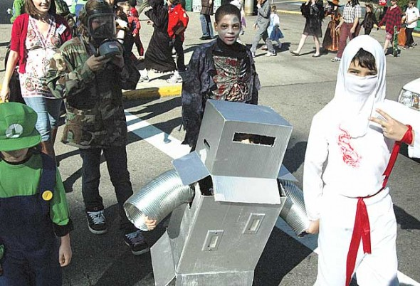 Robots and ninjas, soldiers and zombies round a corner.