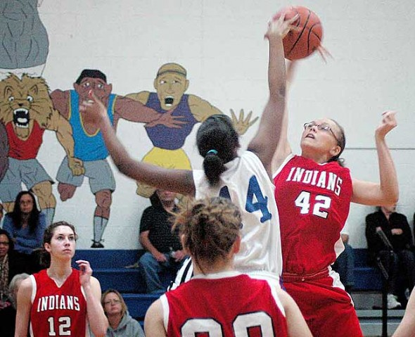 Lady Bulldogs' Angela Allen grabbed the opening ball for her team, which lost narrowly to Cedarville last week 55–46.