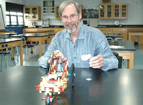 Phil Lemkau will retire from Yellow Springs High School after 30 years teaching science and physics.