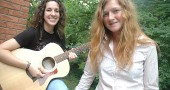 Emma Woodruff (right) and Kyleen Downes are a new acoustic duo. (Photo by Megan Bachman)