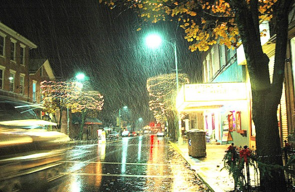 The season's first snow fell on Xenia Ave. Tuesday, giving people a taste for what's in store. (Photo by Matt Minde)
