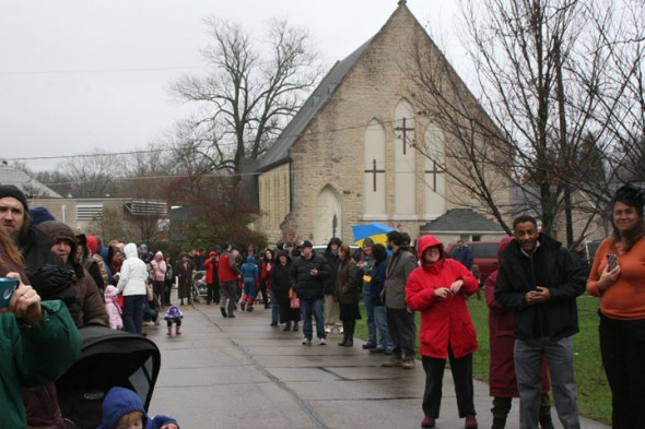 Everyone waiting for the parade to begin! (photos by Suzanne Ehalt)