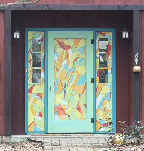 You can find this fantastic door over on Mercer Court. (photos by Suzanne Szempruch)