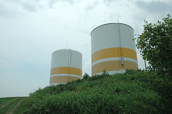 The Yellow Springs water towers at Gaunt Park are located in the middle of the water distribution system and only assist flow rates for the north end of the village. The flow for households south of Herman Street are controlled by the pumps at the water treatment plant.