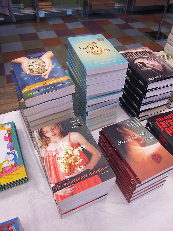 AUM bookstore