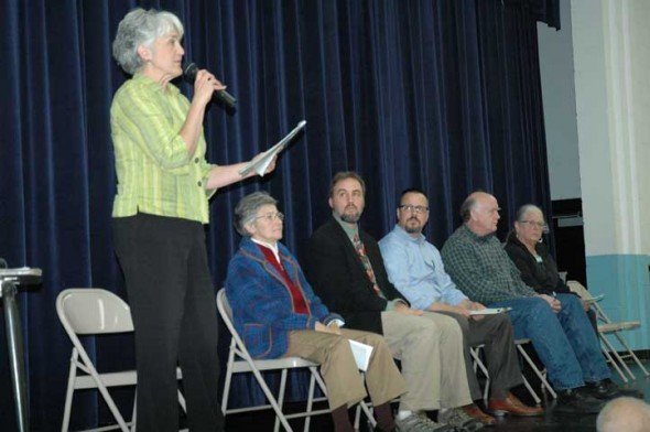 Aïda Merhemic addresses the crowd at last week's School Board Candidates forum. (Photo by Lauren Heaton)