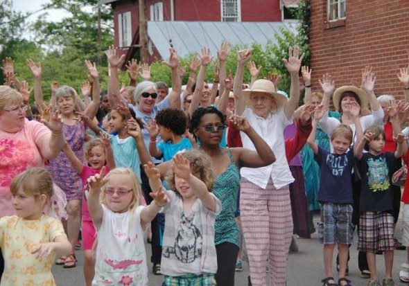 "A ""flash mob"" of kids and seniors citizens appeared on Short Street yesterday. (photos by Suzanne Szempruch)"