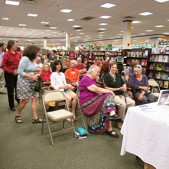 a crowd gathers for the 3pm reading
