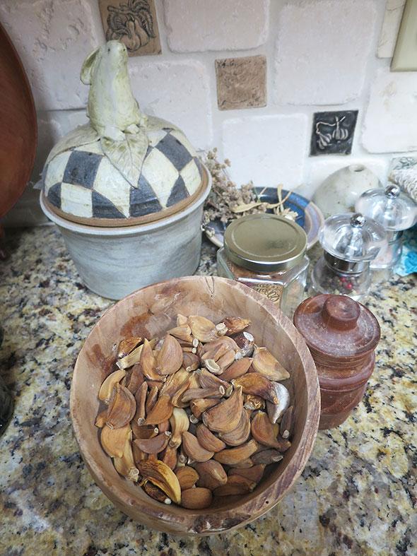 dry garlic cloves