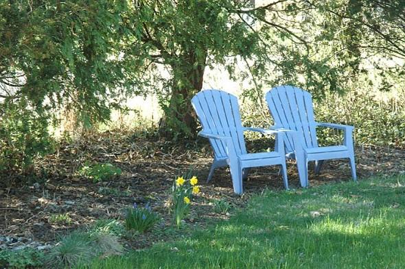 Warmer weather and greener grass will soon evoke the seasonal exodus to backyards and patios. (Photos by Matt Minde)