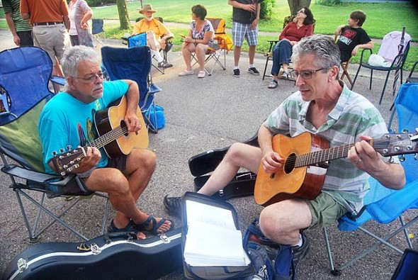 Skip Leeds and Jim Grote find some common chords.