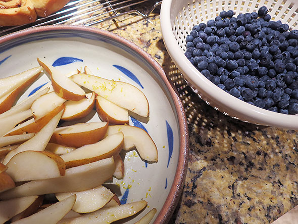 bowls of blueberry and pear