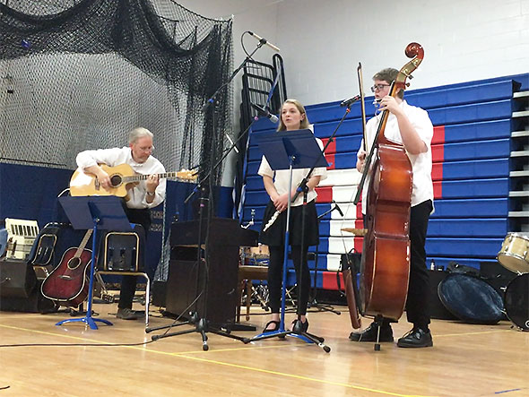 Smith, Rowe, Wright perform at the French Cafe
