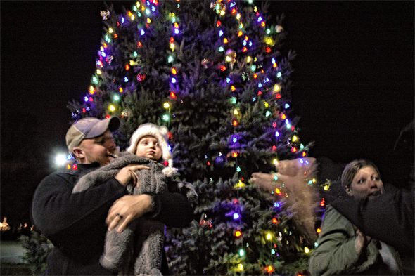"he annual ""Yellow and Bright"" illumination of the holiday lights will commence at 6 p.m. on Wednesday, Nov. 27"
