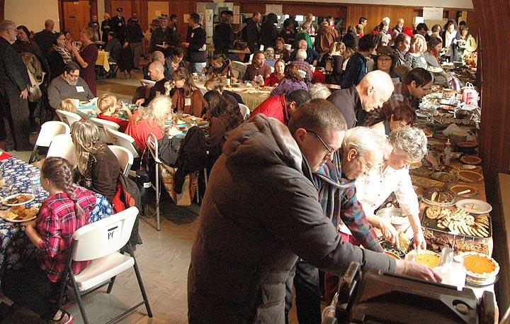 Full house, full bellies at Community Thanksgiving