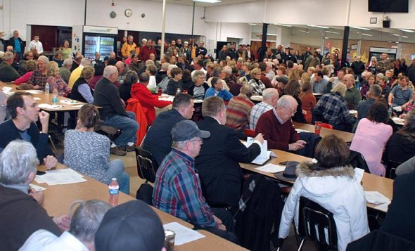 About 300 citizens packed the cafeteria of Greenon High School last Thursday to oppose a planned limestone quarrying project in Mad River Township, a few miles north of Yellow Springs. Ohio EPA organized the hearing, which was focused on one aspect of the project, a permit for wastewater discharge from the quarry. (Photo by Audrey Hackett)